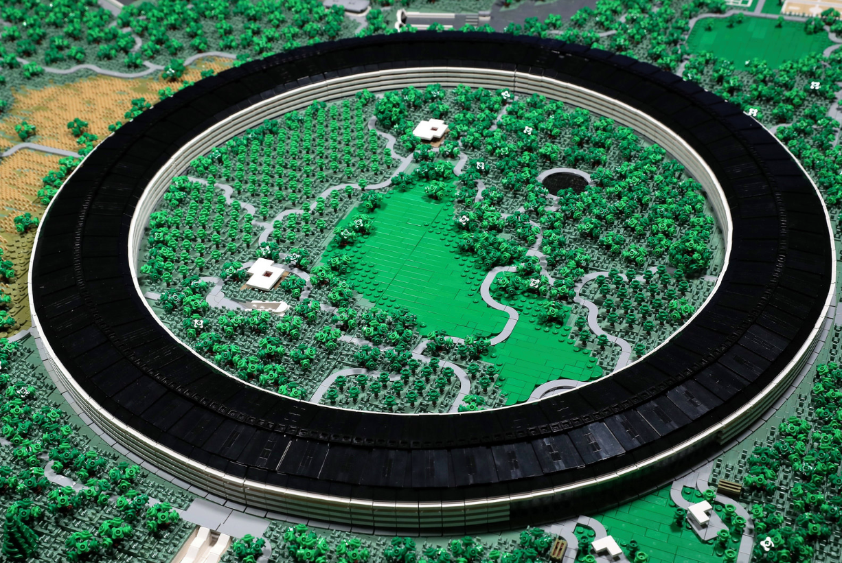 Someone Recreated Apple's New Campus with 85,000 LEGO Bricks